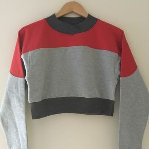 UO Darby Colorblock Cropped Sweatshirt